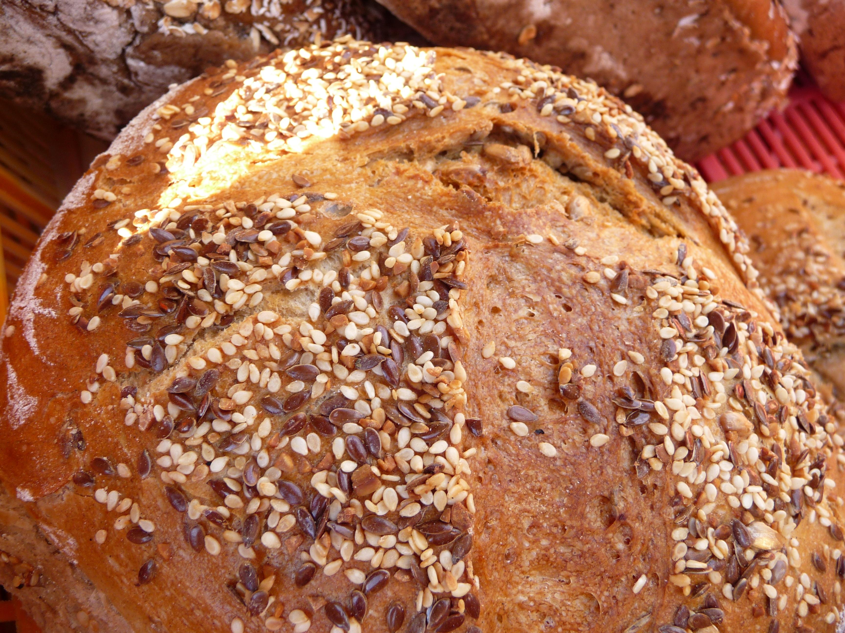chléb se zrníčky